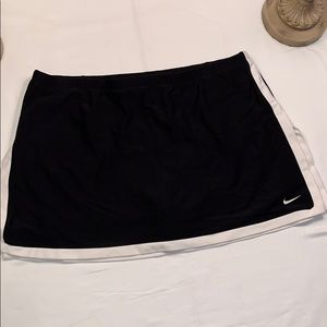 Nike Black and White Tennis Skirt